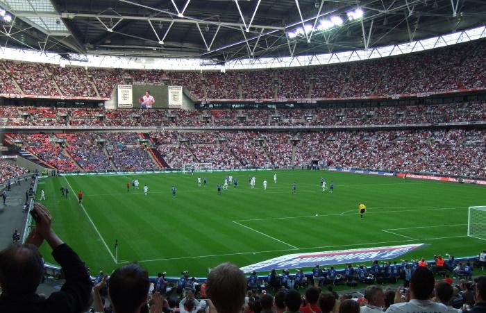 Футбольный сезон в низших дивизионах Англии решено завершить