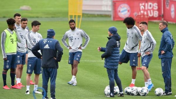Футбол в Германии возобновится 15 мая